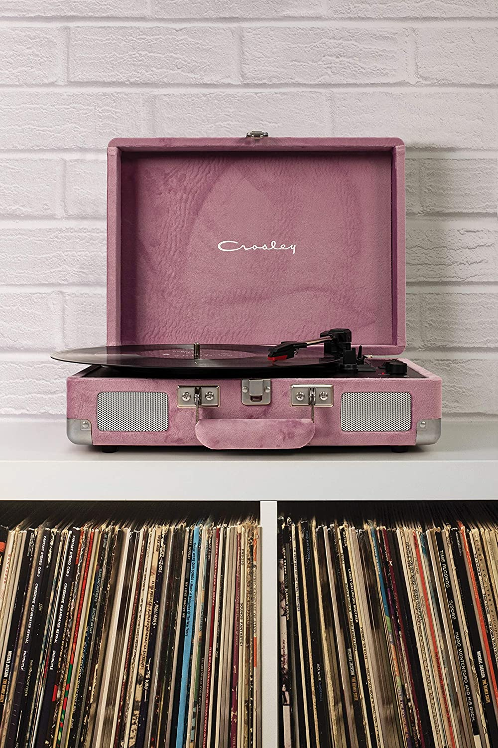 Quiet Jungle Crosley Cruiser Deluxe Vintage 3-Speed Bluetooth Suitcase Turntable