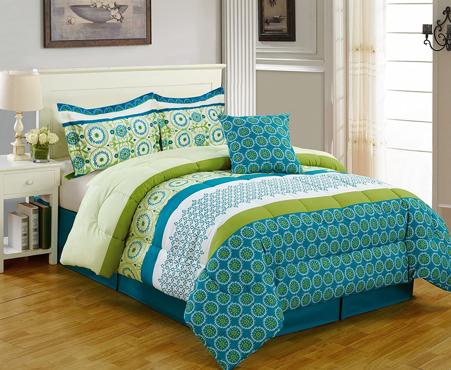 5 Piece Multi Color Printed Microfiber Comforter Set Size
