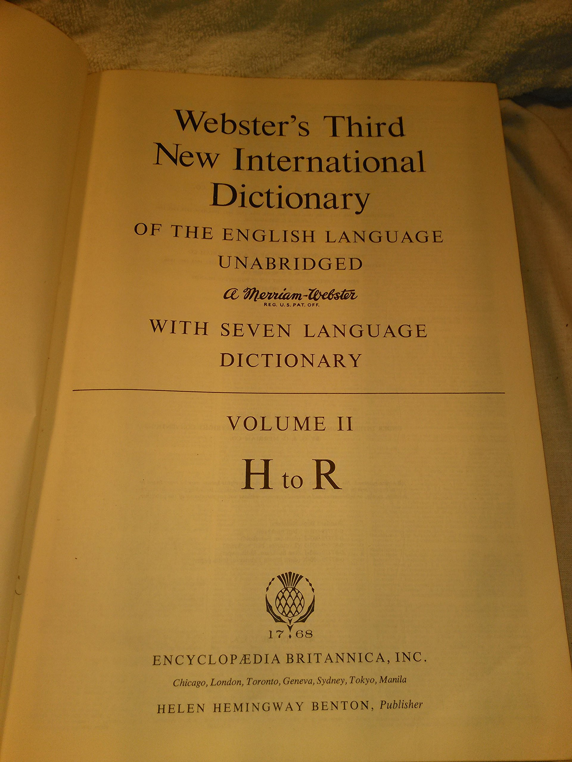 Webster's Third New International Dictionary and Seven language Volume 2:  G. and C. Merrian Co: 0795525751291: Amazon.com: Books