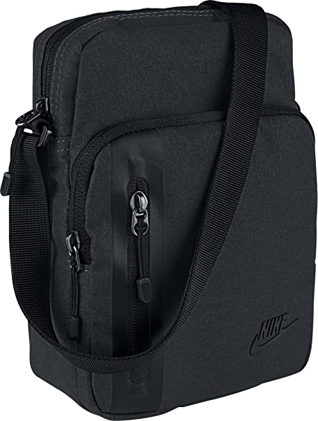a7d5fd2888 Nike Men s Core Small Items 3.0 Shoulder Bag  Amazon.co.uk  Sports ...