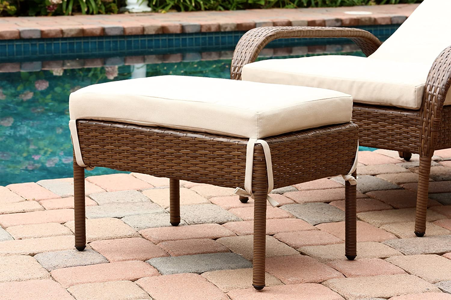 Amazon.com: Abbyson® Palermo Outdoor Wicker Chaise Lounge with ...