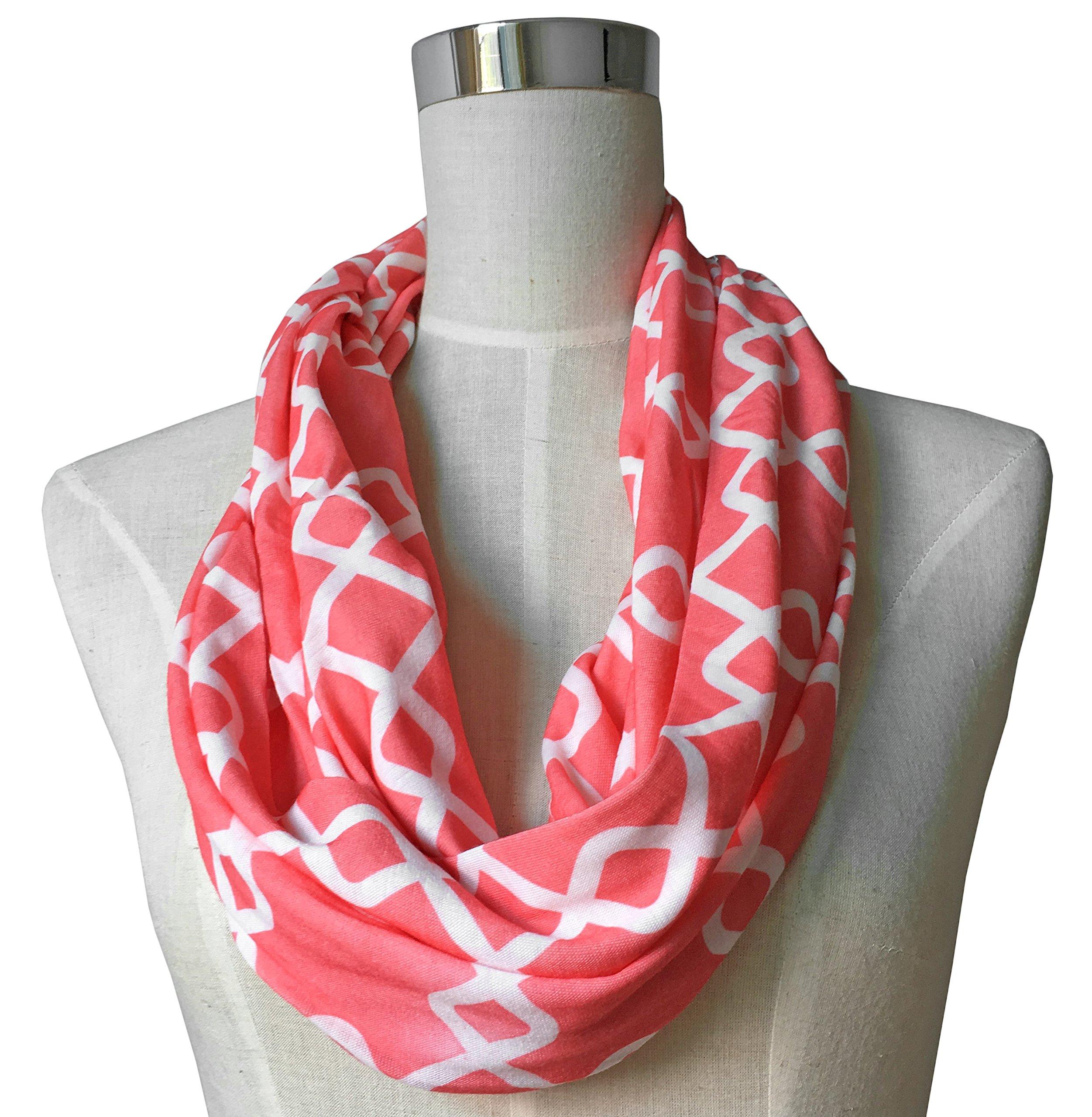 Womens Interlocking Chain Square Pattern Scarf w/Zipper Pocket - Pop Fashion (Coral)