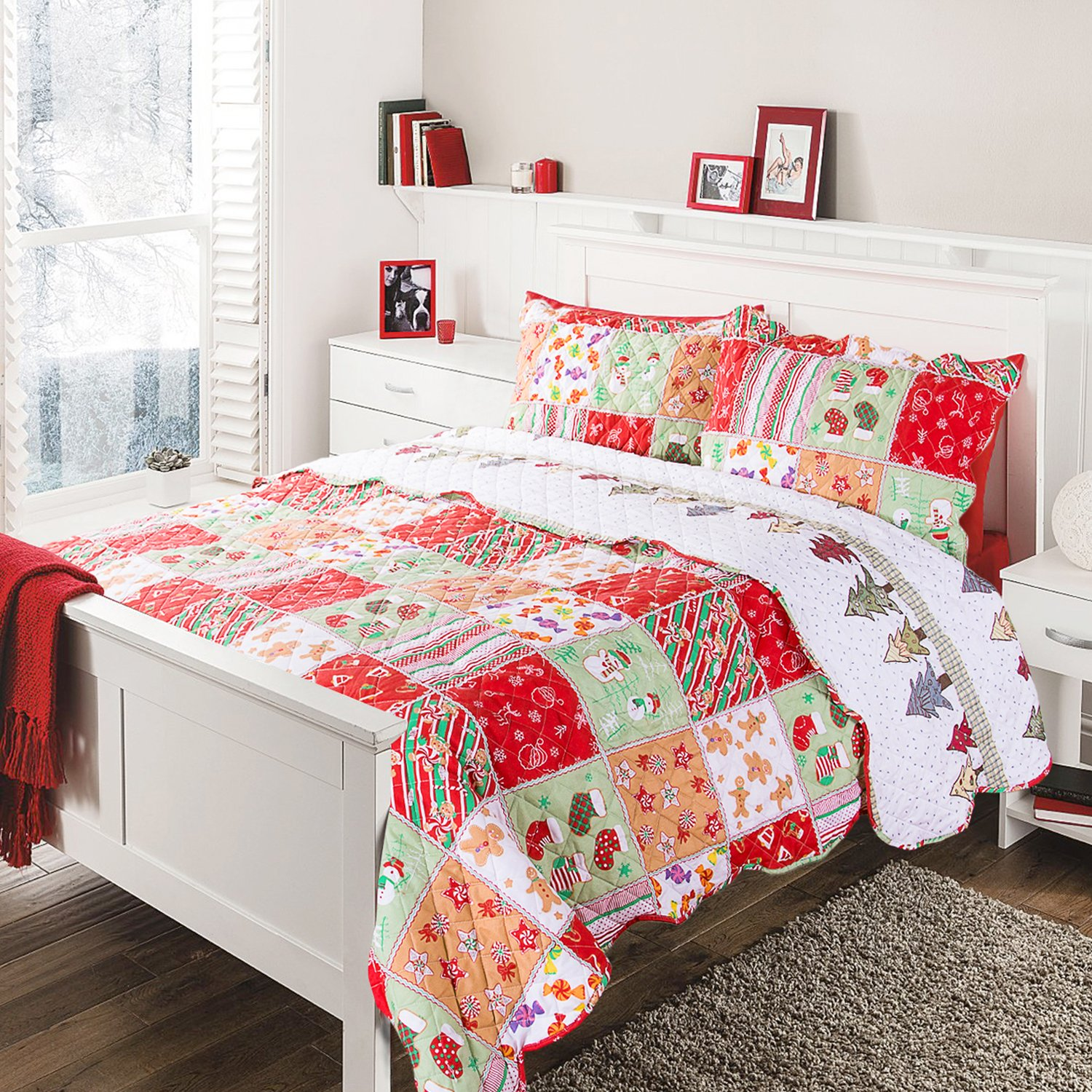 "Bedsure ""Floral Yule Tide"" Printed Quilt Set -- Bedspread and Coverlet"