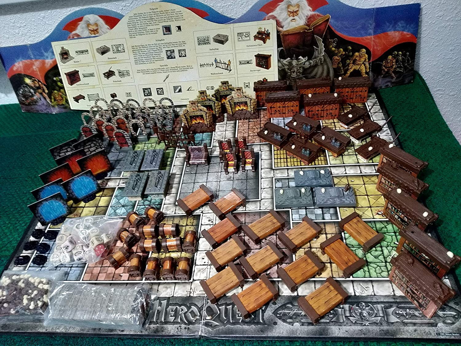 HeroQuest Game System by Milton Bradley: Amazon.es: Juguetes y juegos