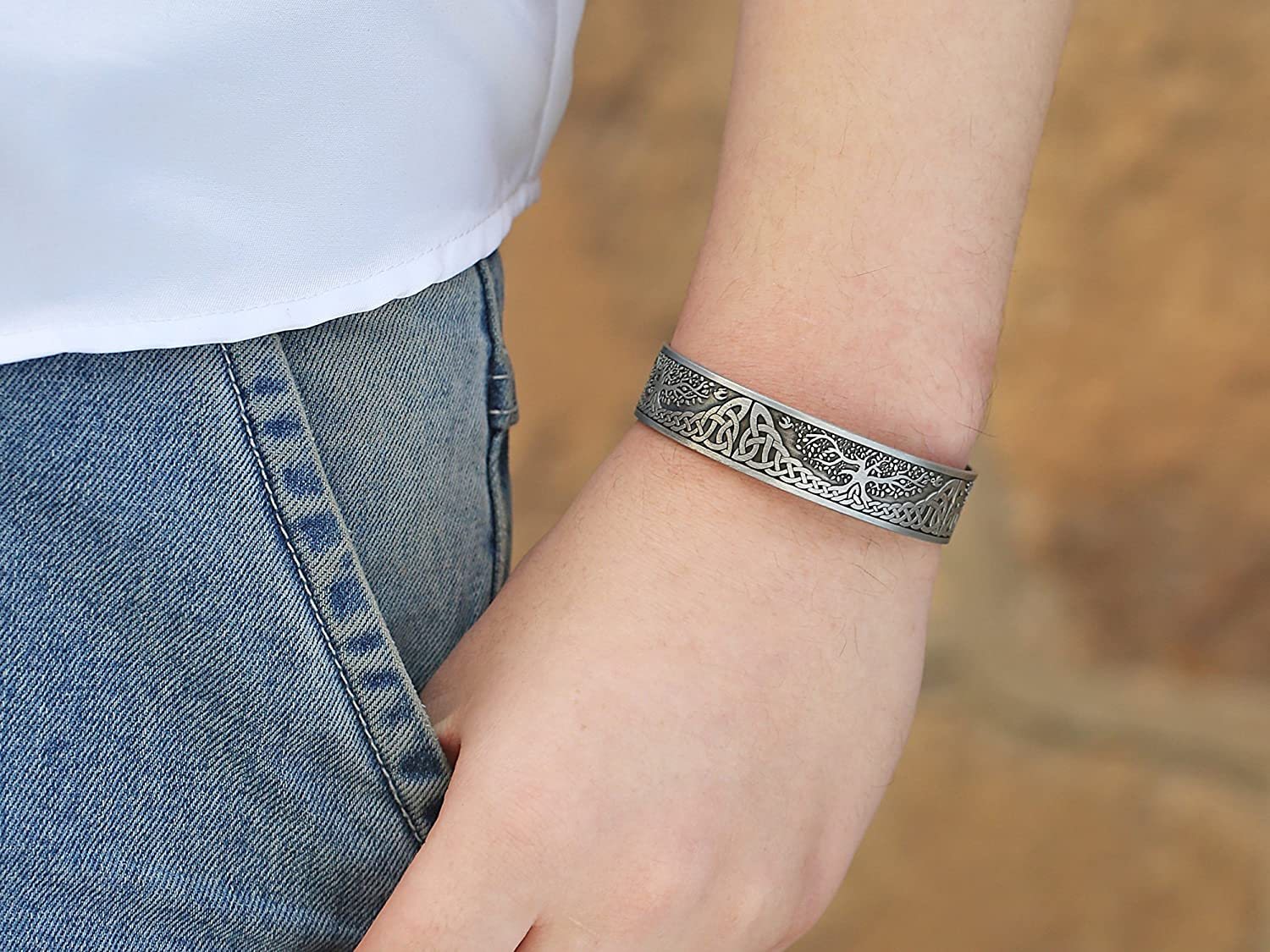 Balance and Energy Bracelet Skyrim Trendy Magnetic Health Care Bracelet for Pain Relief,Therapy
