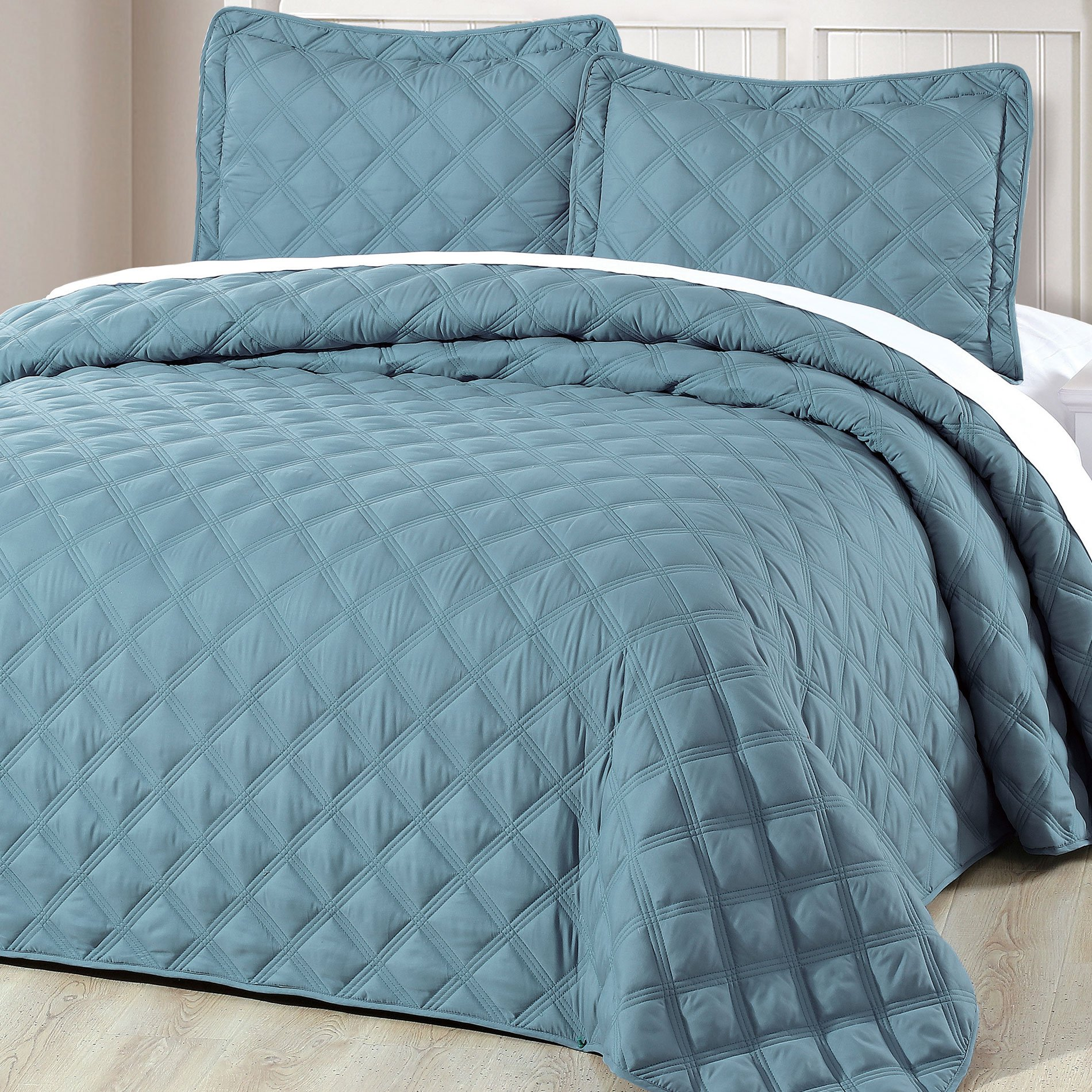 Home Soft Things Serenta Down Alternative Quilted Charleston 3 Piece Bedspread Set, King, Smoke Blue