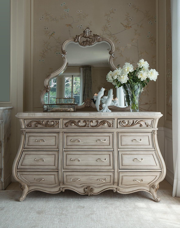 Amazon.com: Platine De Royale Champagne 4pc Queen Panel Bedroom Set By Aico  Amini: Kitchen U0026 Dining