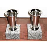 花筒底部分はボウフラ防止のために銅板で加工してあります。 ステンレス 花立て 一対(二本) 御影石 台付き セメント砂付き 全国送料無料(一部地域を除く)