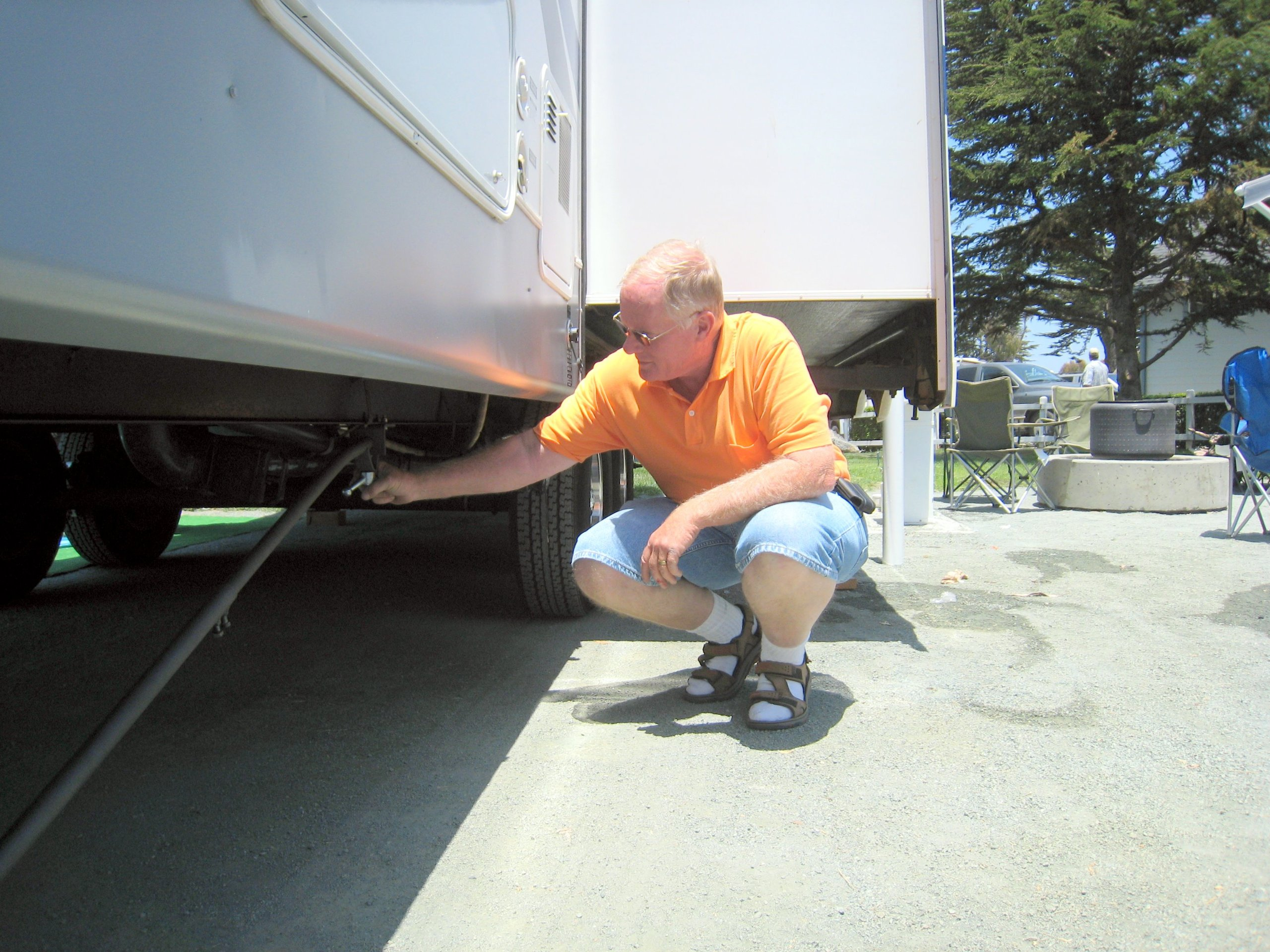 RV Stabilizer System for 5th Wheels and Camper Trailers by SteadyFast