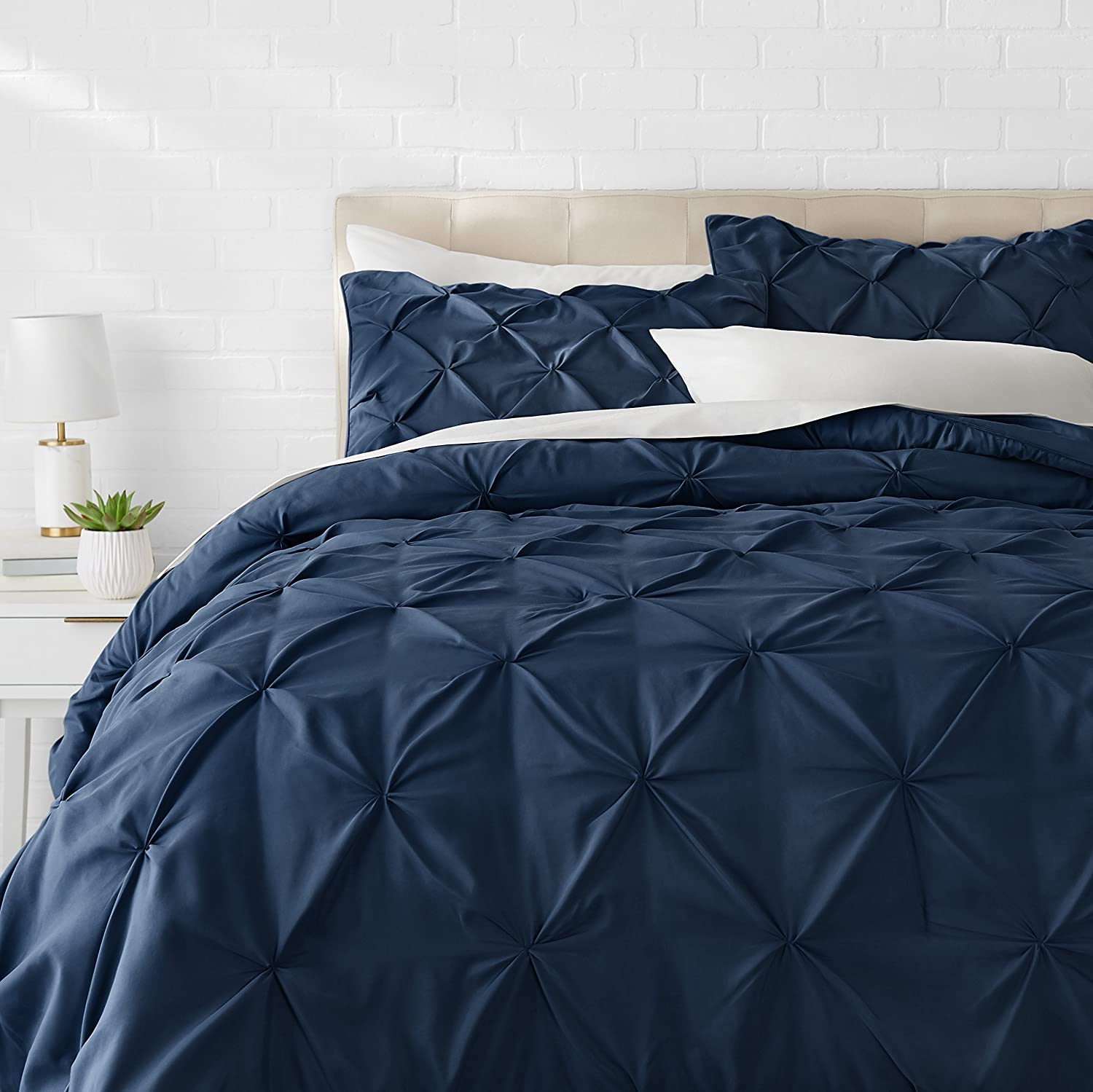 AmazonBasics Pinch Pleat Comforter Set - Full/Queen, Navy Blue