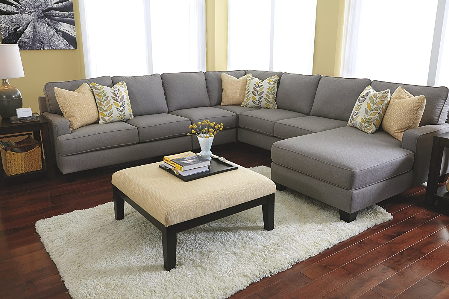 amazon com ashley furniture signature design chamberly accent