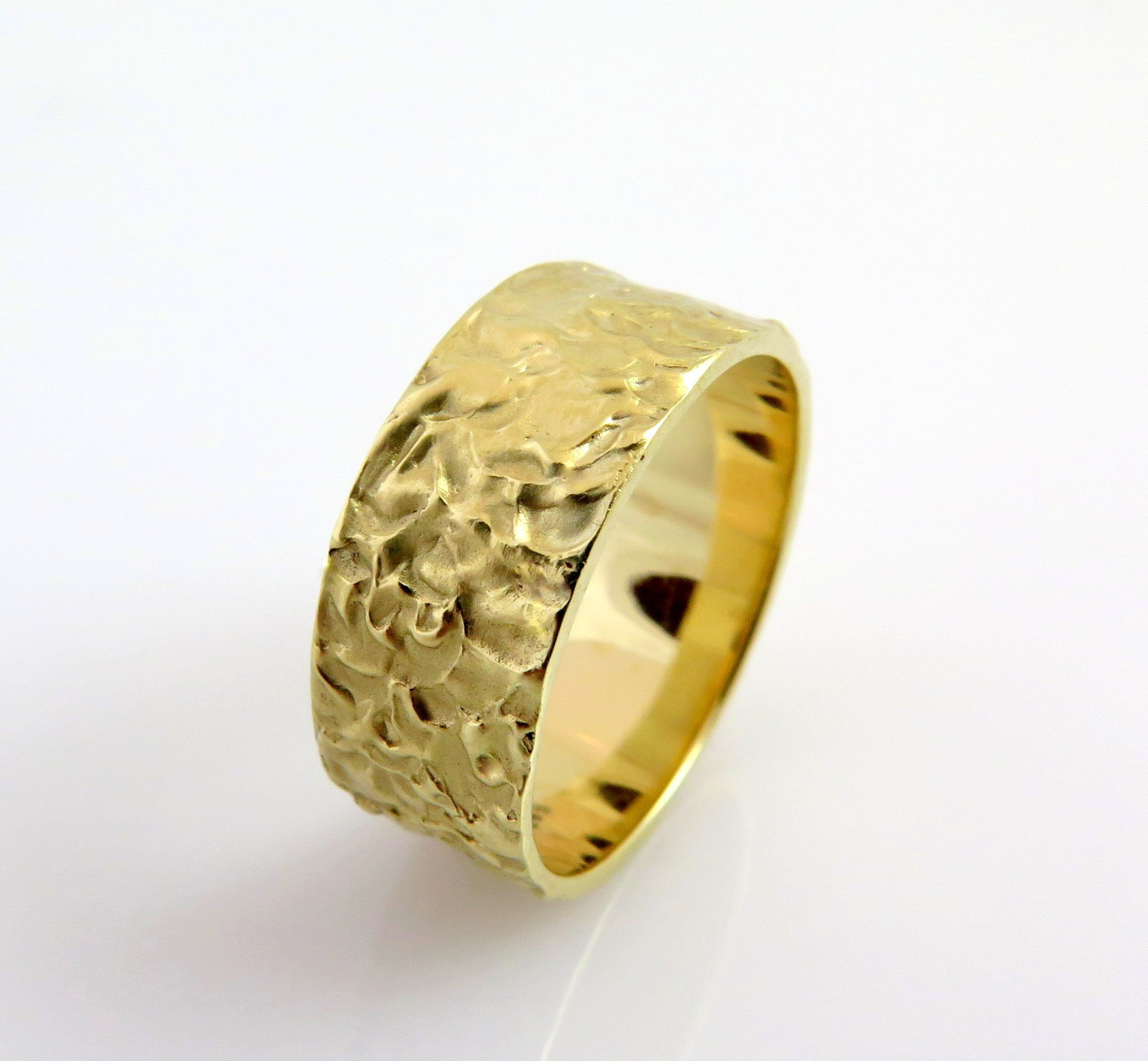 Wedding Band Yellow Gold, 14K Gold Hammered Wedding Band, Rustic wedding Ring, Modern Wedding Band, Textured Gold Ring, Wide wedding band