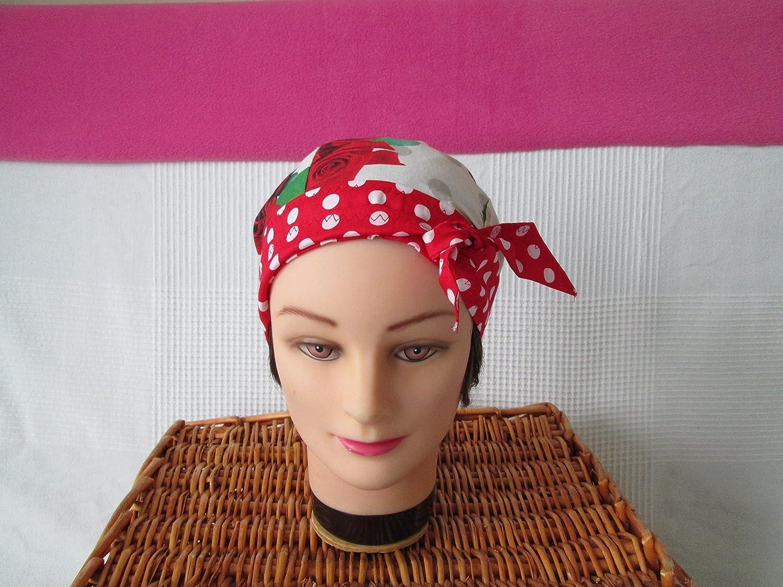 Foulard, turban chimio, bandeau pirate au féminin avec des roses à pois blancs
