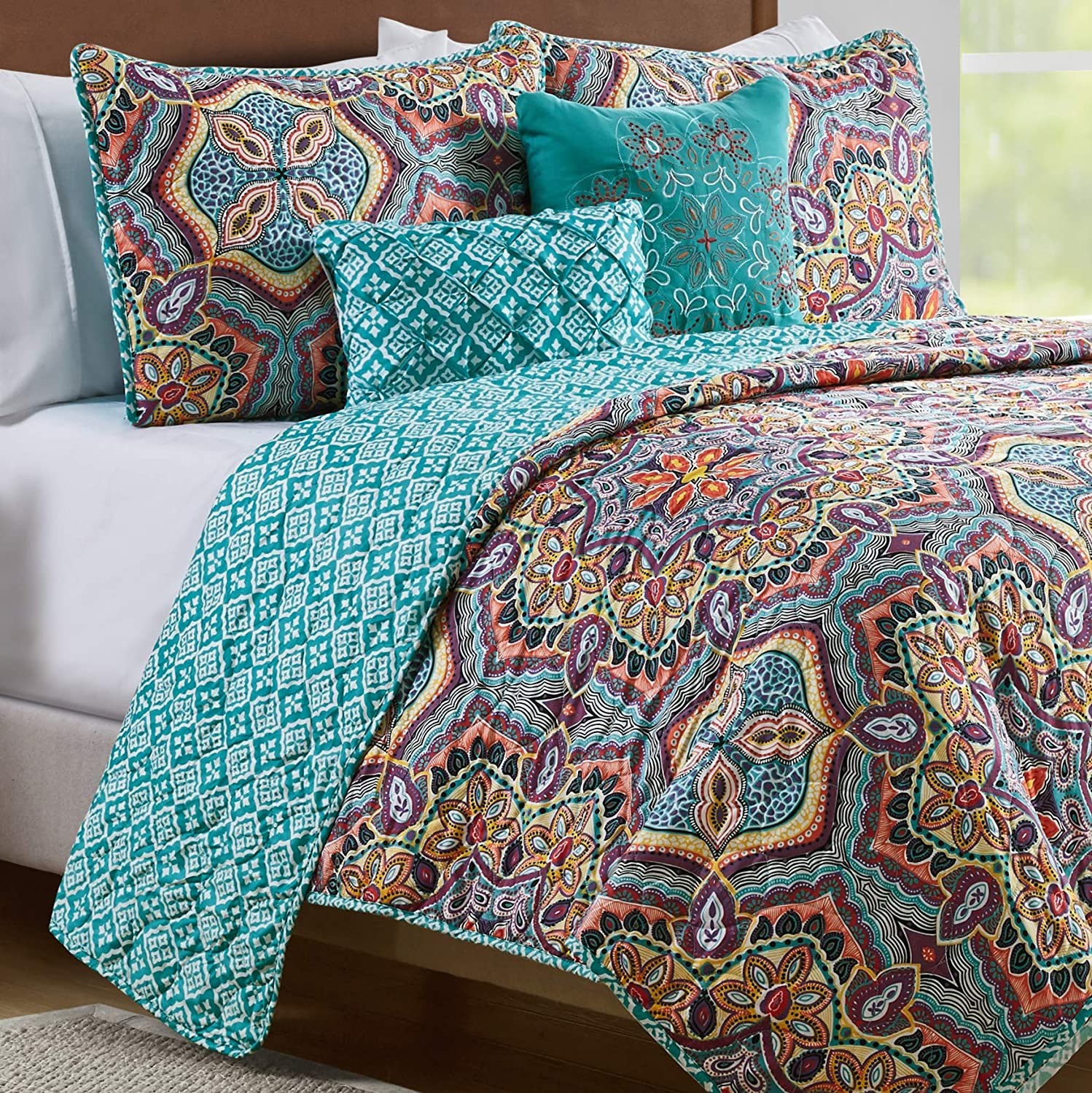 VCNY Home Yara Medallion 5 Piece Reversible Quilt Set, King, Aqua