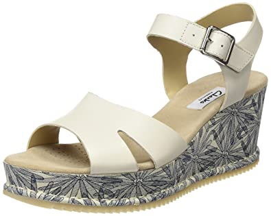 193f4e378803d Clarks Women s Akilah Eden Wedge Heels Sandals  Amazon.co.uk  Shoes ...
