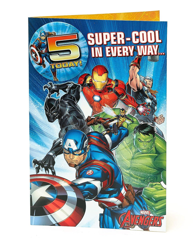 Tarjeta de cumpleaños con insignia de los Vengadores de 5 ...