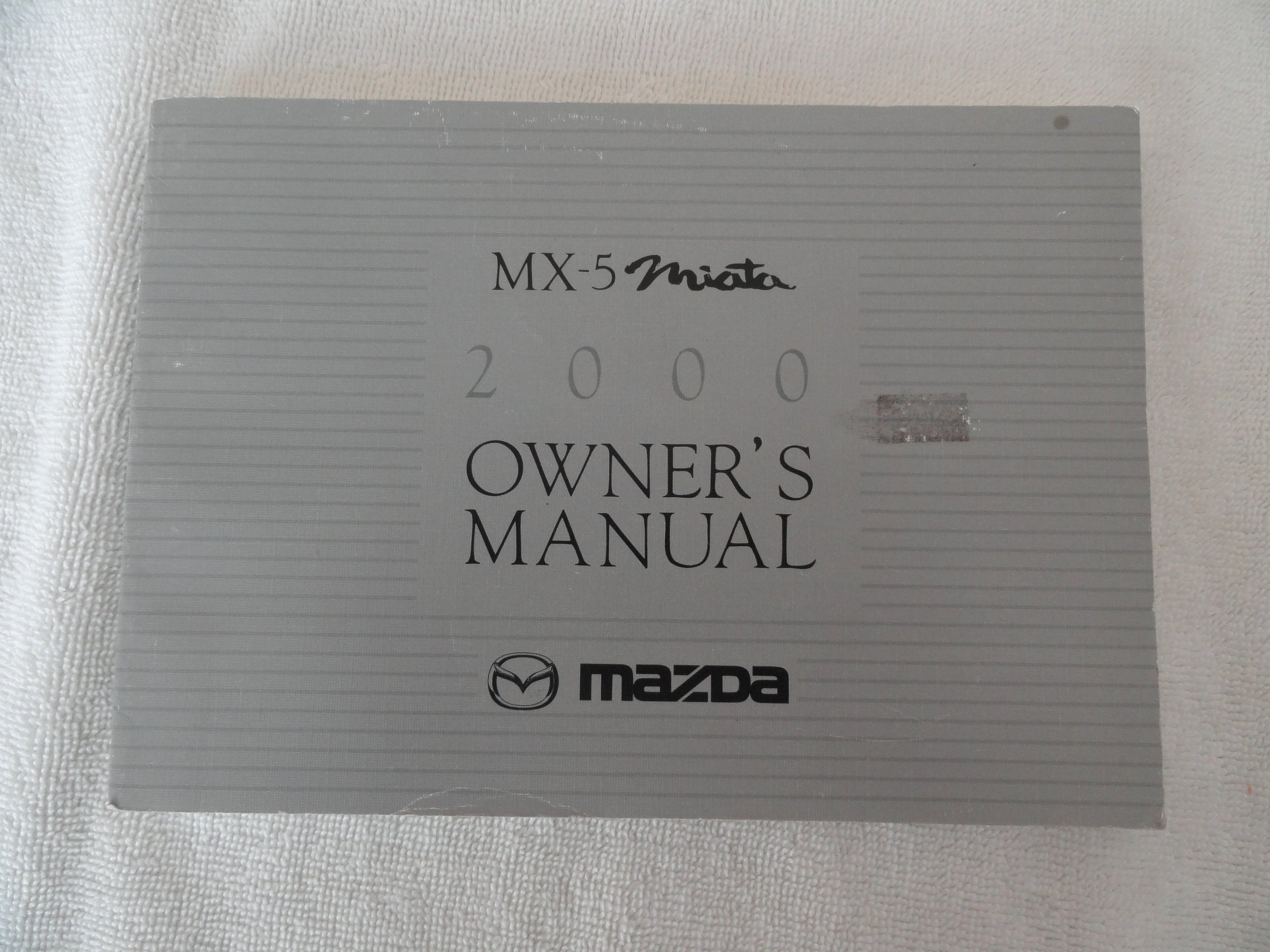 2000 mazda mx 5 miata owner s manual no case amazon com books rh amazon com 2005 Mazda Miata 2000 mazda mx-5 miata owners manual