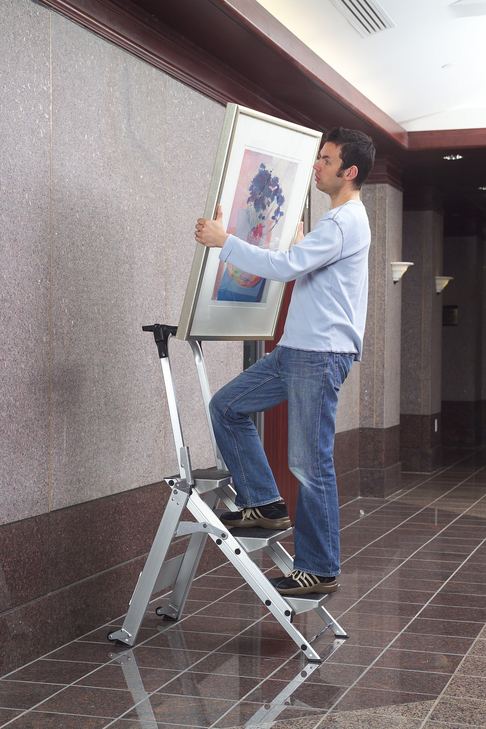 Little Giant, 3 step, Aluminum, 2-1/4 Feet, 300 lb. Capacity Stepladder by Little Giant Ladder Systems (Image #3)