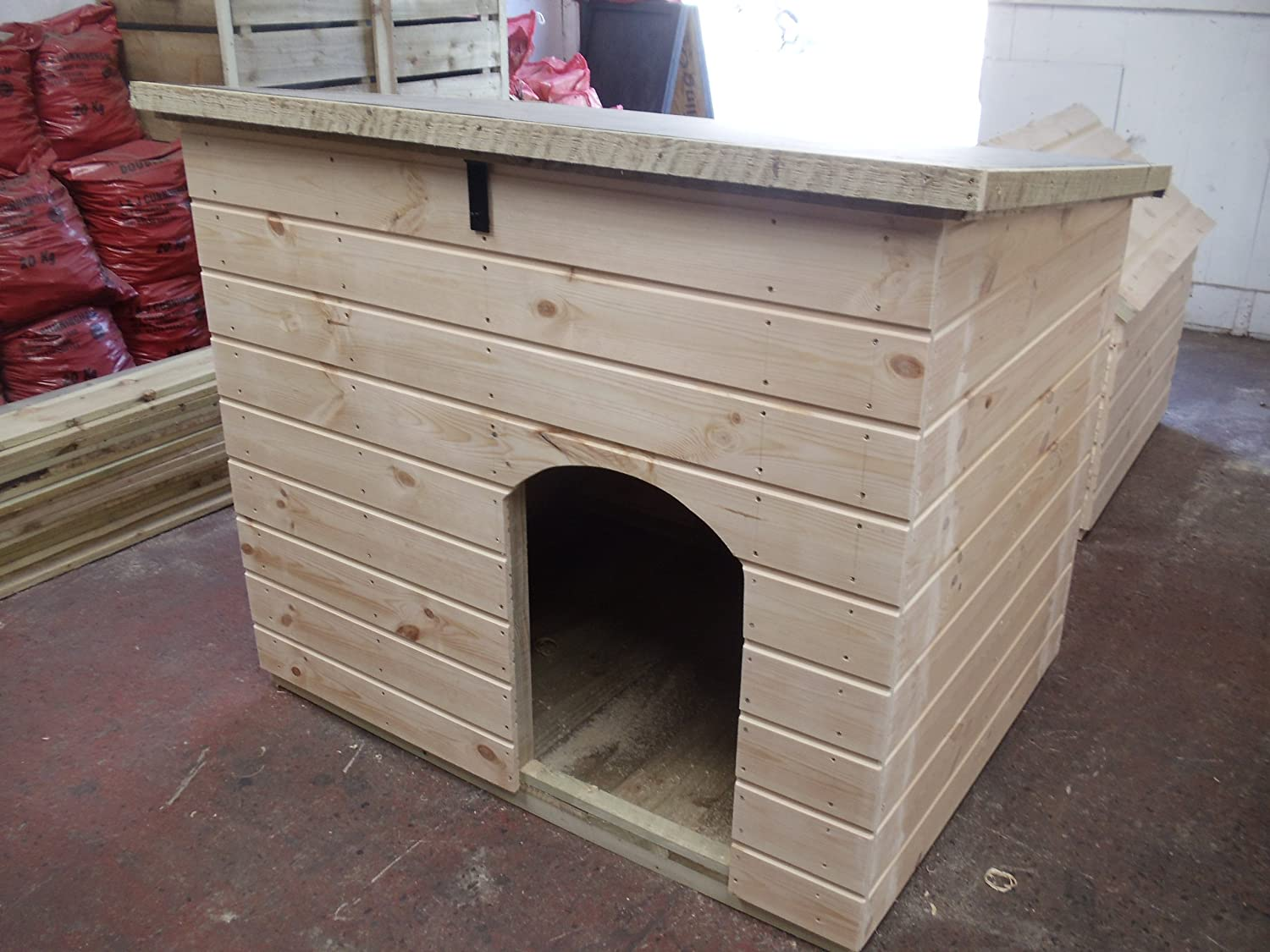 Large Dog Kennel with hinged roof