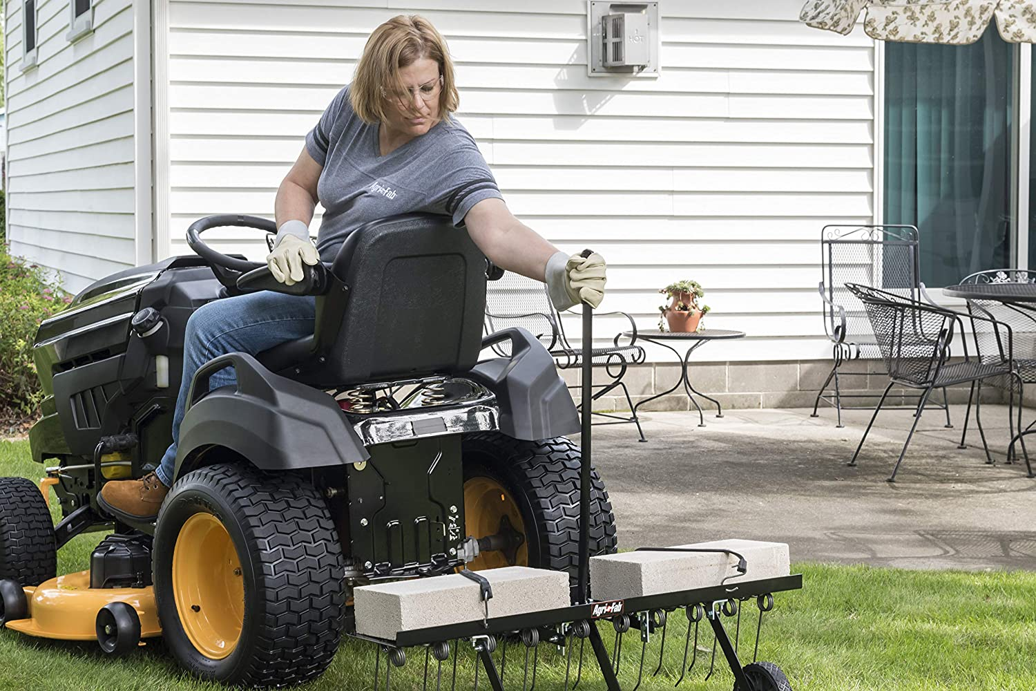 """Tine Tow Dethatcher Lawn Tractor Attachment Rust Proof /& Durable 40/"""""""