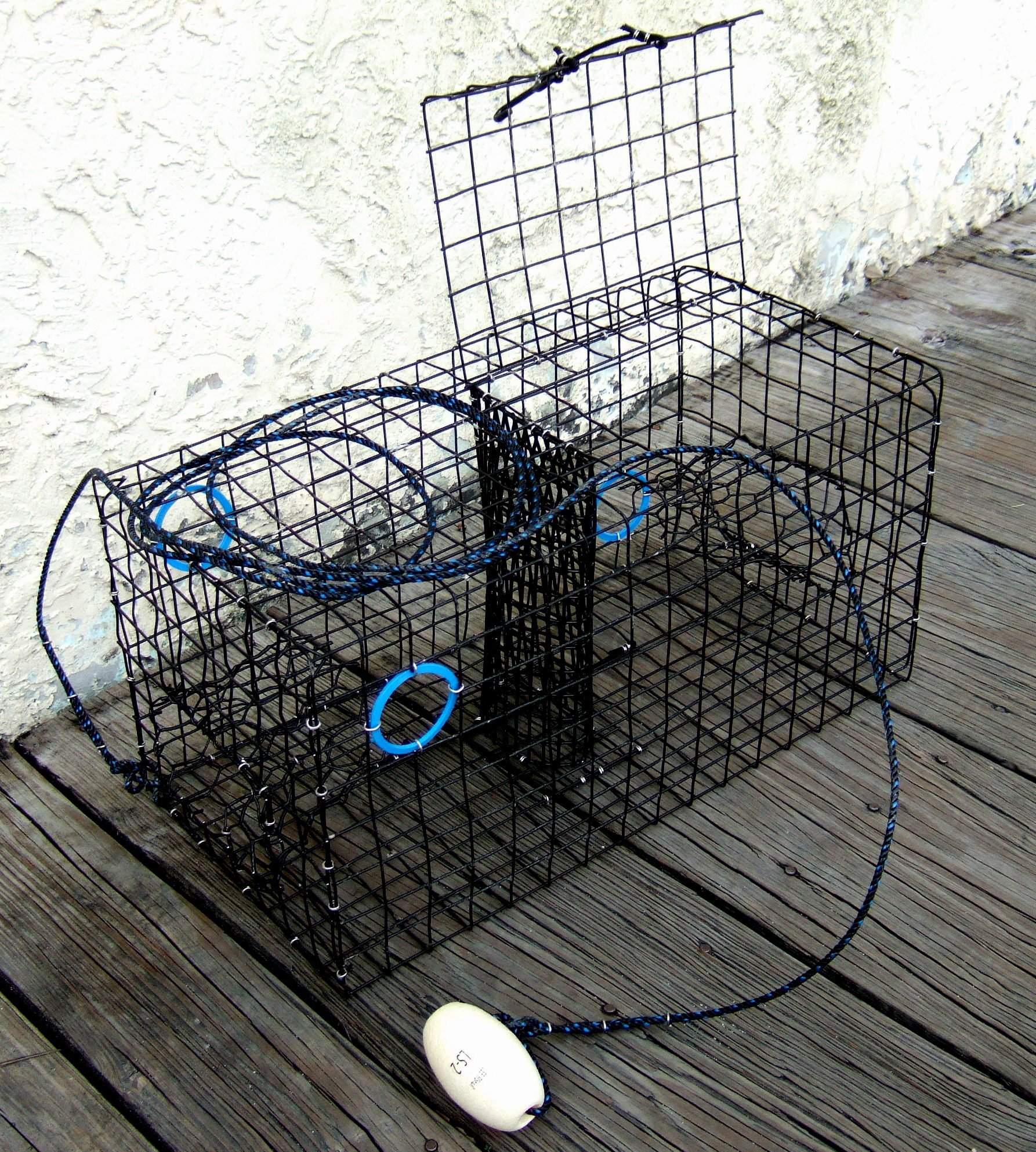 Maryland Blue crab pot trap, pvc coated wire mesh, heavy duty