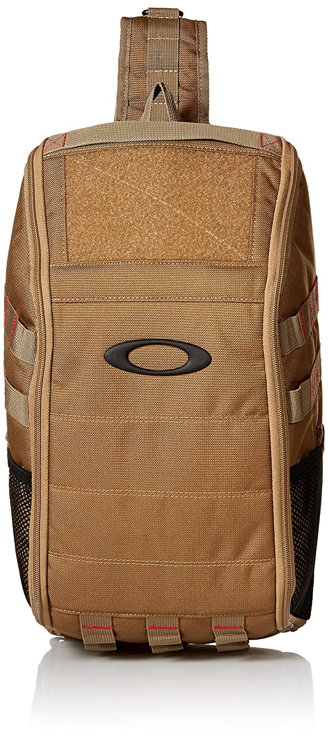2605105a80 Amazon.com  Oakley Mens Extractor Sling Pack Backpack  Clothing