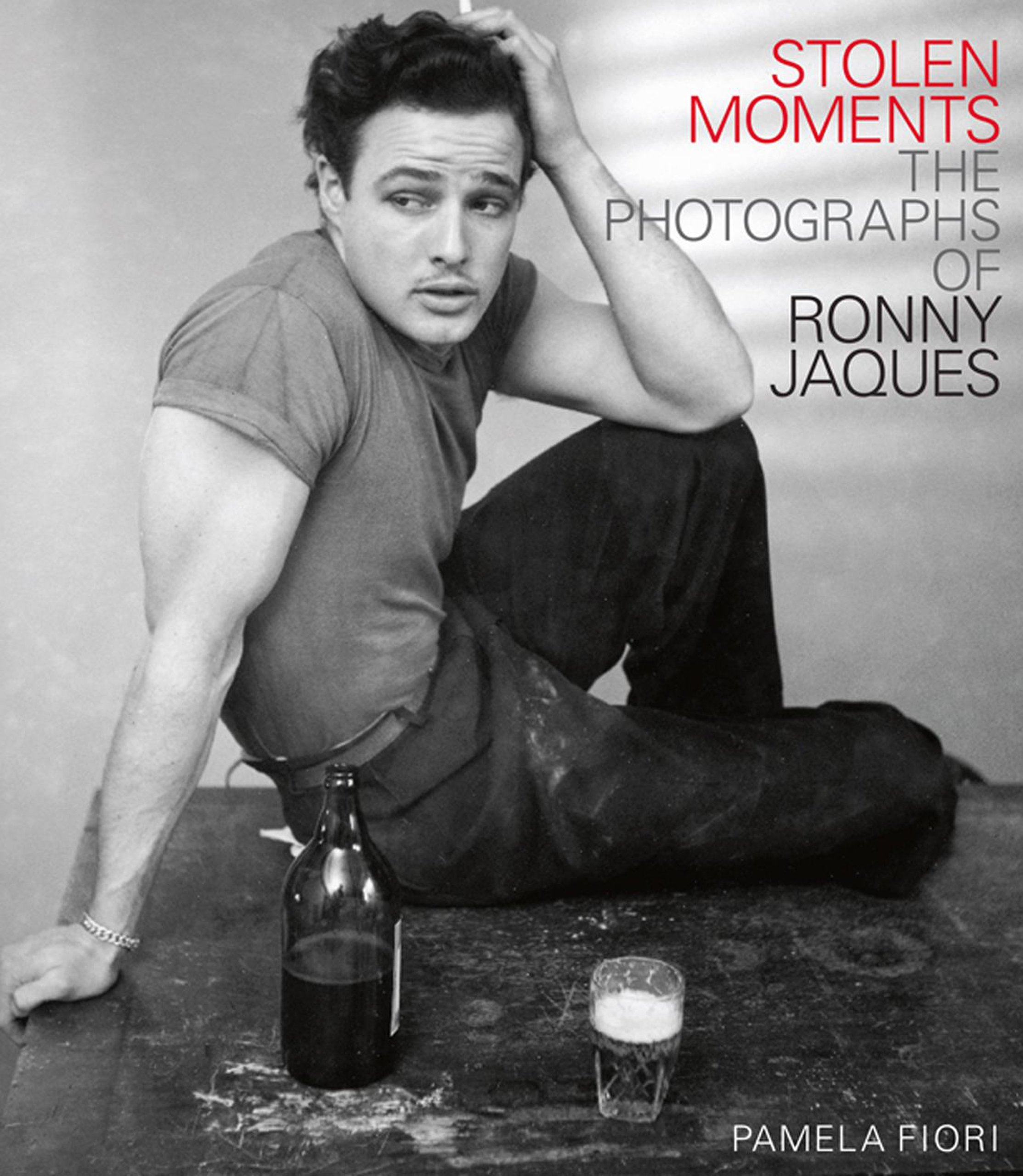 Download Stolen Moments: The Photographs of Ronny Jaques pdf