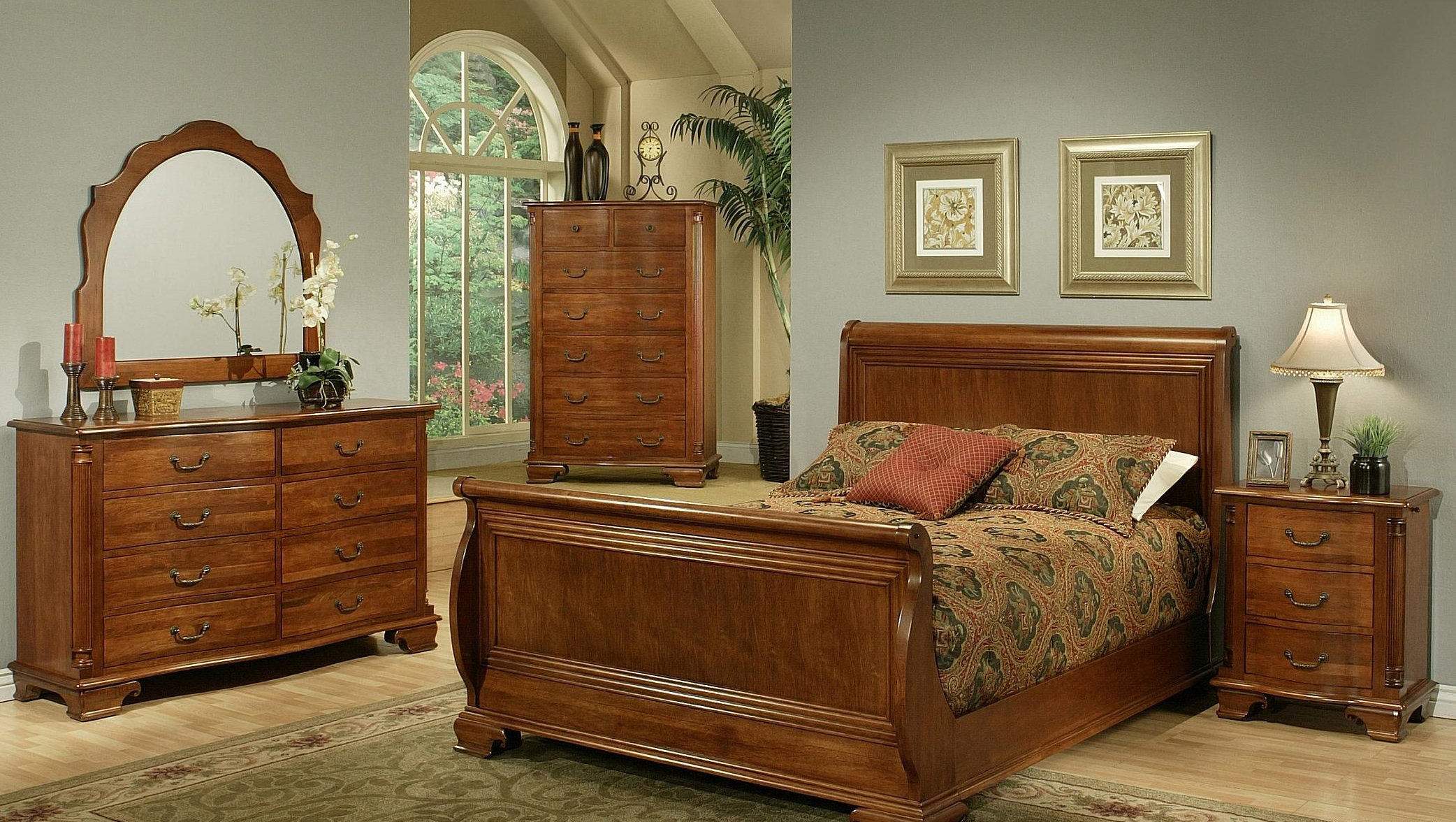 Amanda Home American Heritage Solid Cherry 4-Piece Queen Sleigh Bedroom Set Including Queen Headboard / Footboard, Side Rails, 3 Drawer Nightstand, 8-Drawer Dresser and Dressing Mirror
