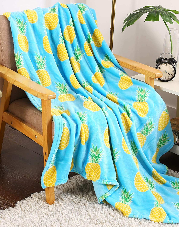 """Décor&More Summertime Whimsy Plush Fleece Throw Blanket (50"""" x 60"""") - Pineapple"""