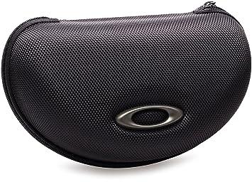 7d9c8989ad Oakley Cases 07-015 Black M Frame Array Case Sunglasses  Amazon.co ...