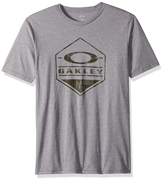 1274698ae39 Amazon.com  Oakley Men s 50 Camo Hex Shirts  Clothing