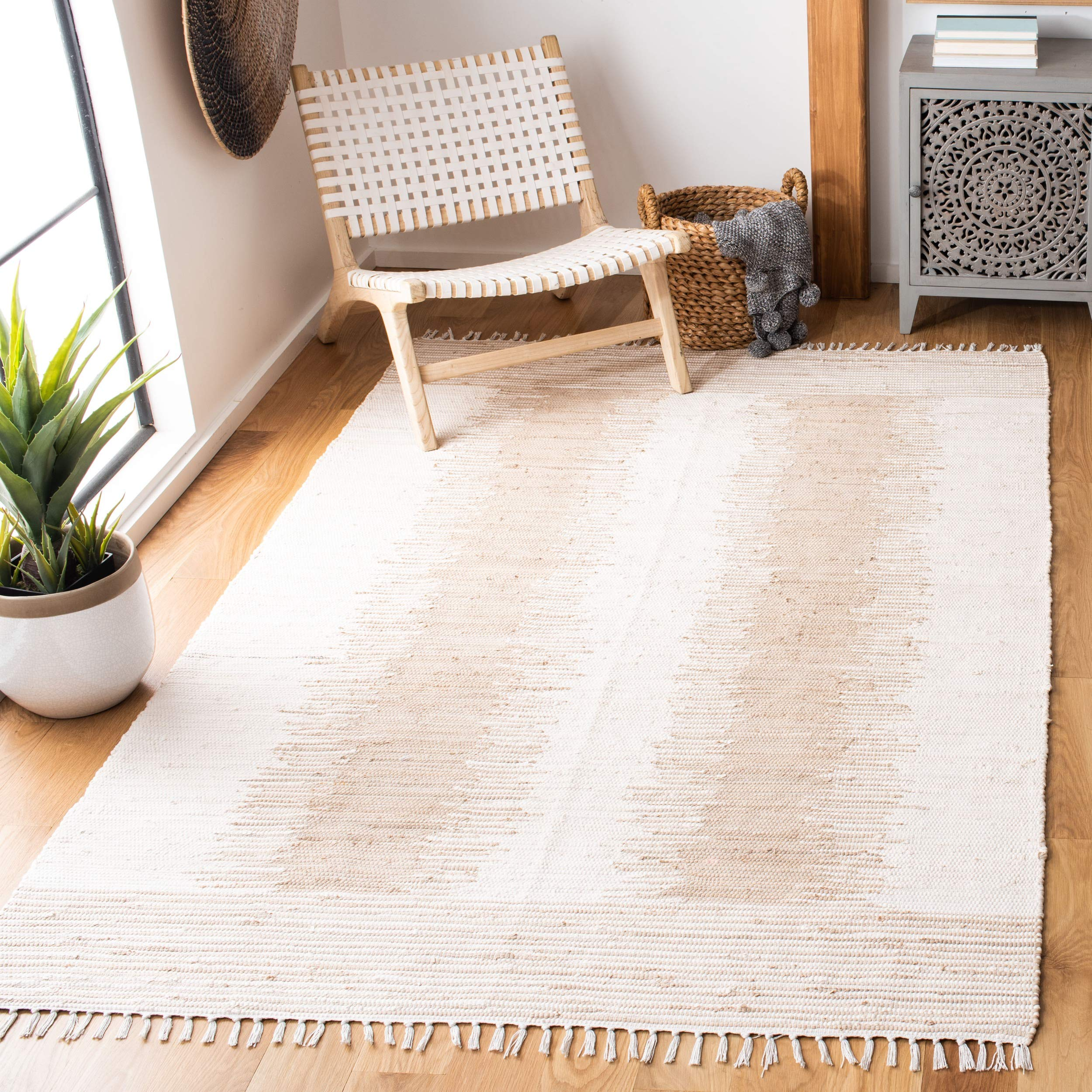 Safavieh Montauk Collection MTK752A Handmade Fringe Cotton Area Rug, 8' x 10', Beige