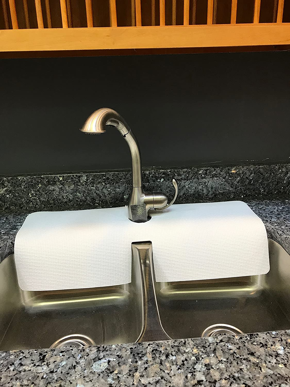 - Kitchen Sink Faucet Splash Guard/protects Area Around Faucet From