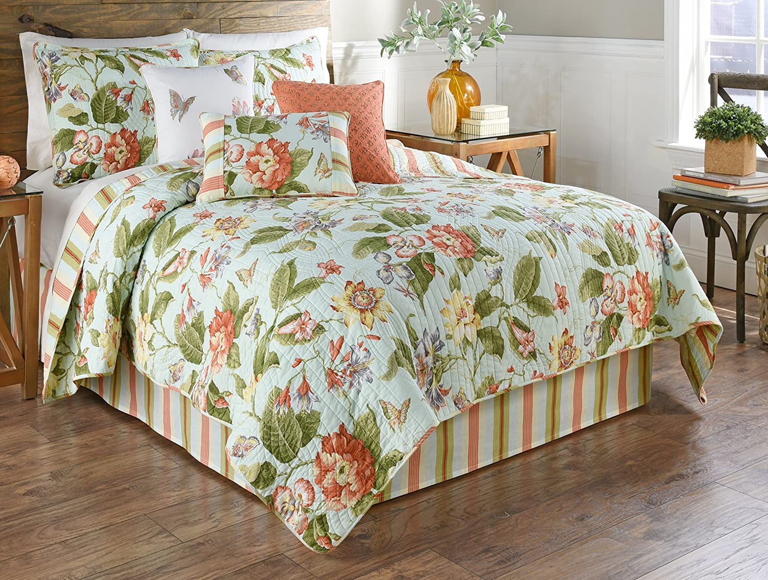 Waverly 4 Piece Opal Reversible Quilt Collection King Amazon Co Uk Kitchen Home