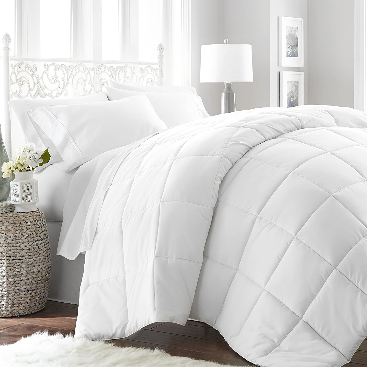 1 Piece White Baffle Box Stitched Down Alternative Comforter King/Cal King Size, Stylish Modern Luxurious Soft Cozy Lightweight Reversible Bedding Solid Color Square Design, Plush Microfiber, Unisex