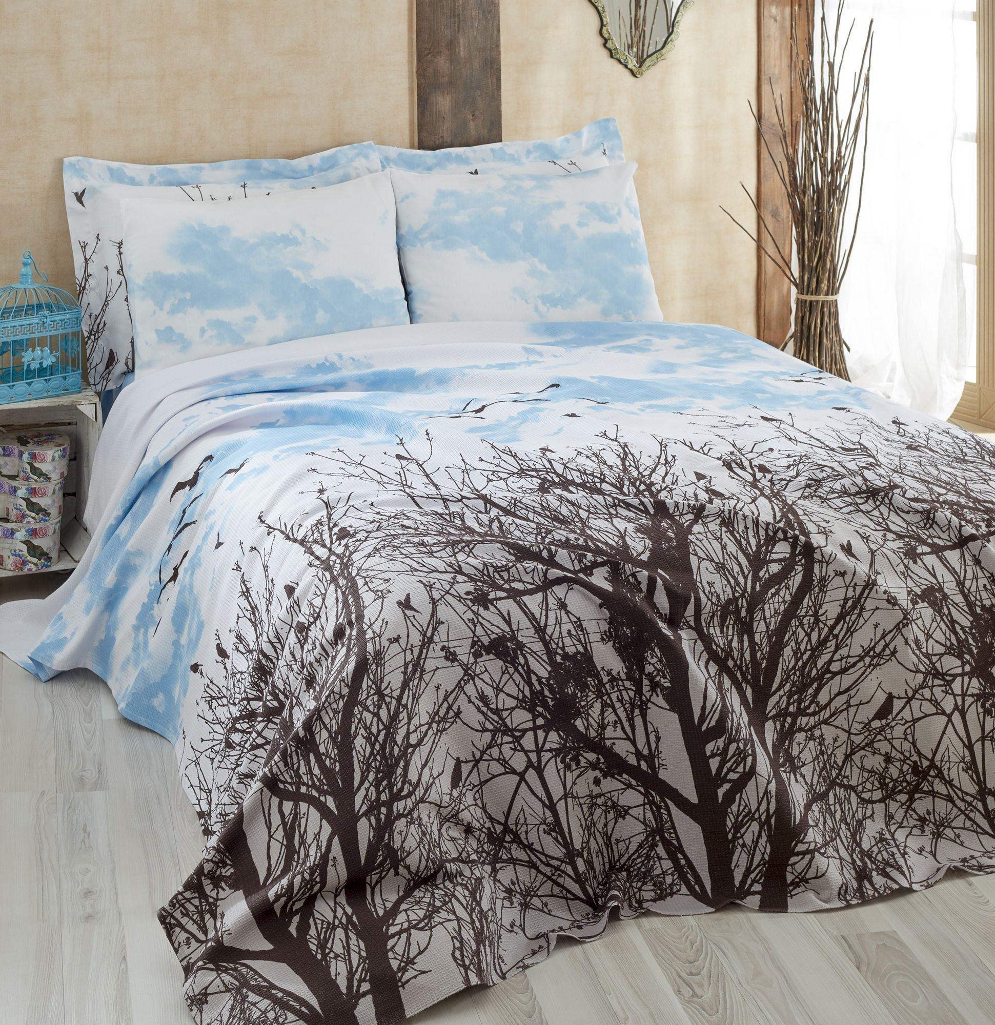 LaModaHome Luxury Soft Colored Bedroom Bedding 100% Cotton Single Coverlet (Pique) Thin Coverlet Summer/Tree Sky Bird Animal Nature Plant Cloud Blue and Brown/Single