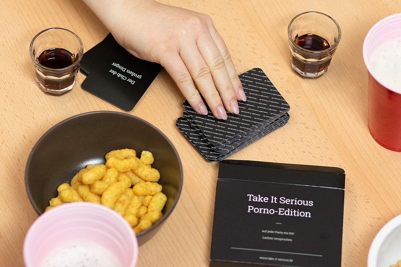 Das Partyspiel zum Lachen Take It Serious 100 lustigen Spielkarten mit Pornotiteln. Trinkspiel Porno-Edition