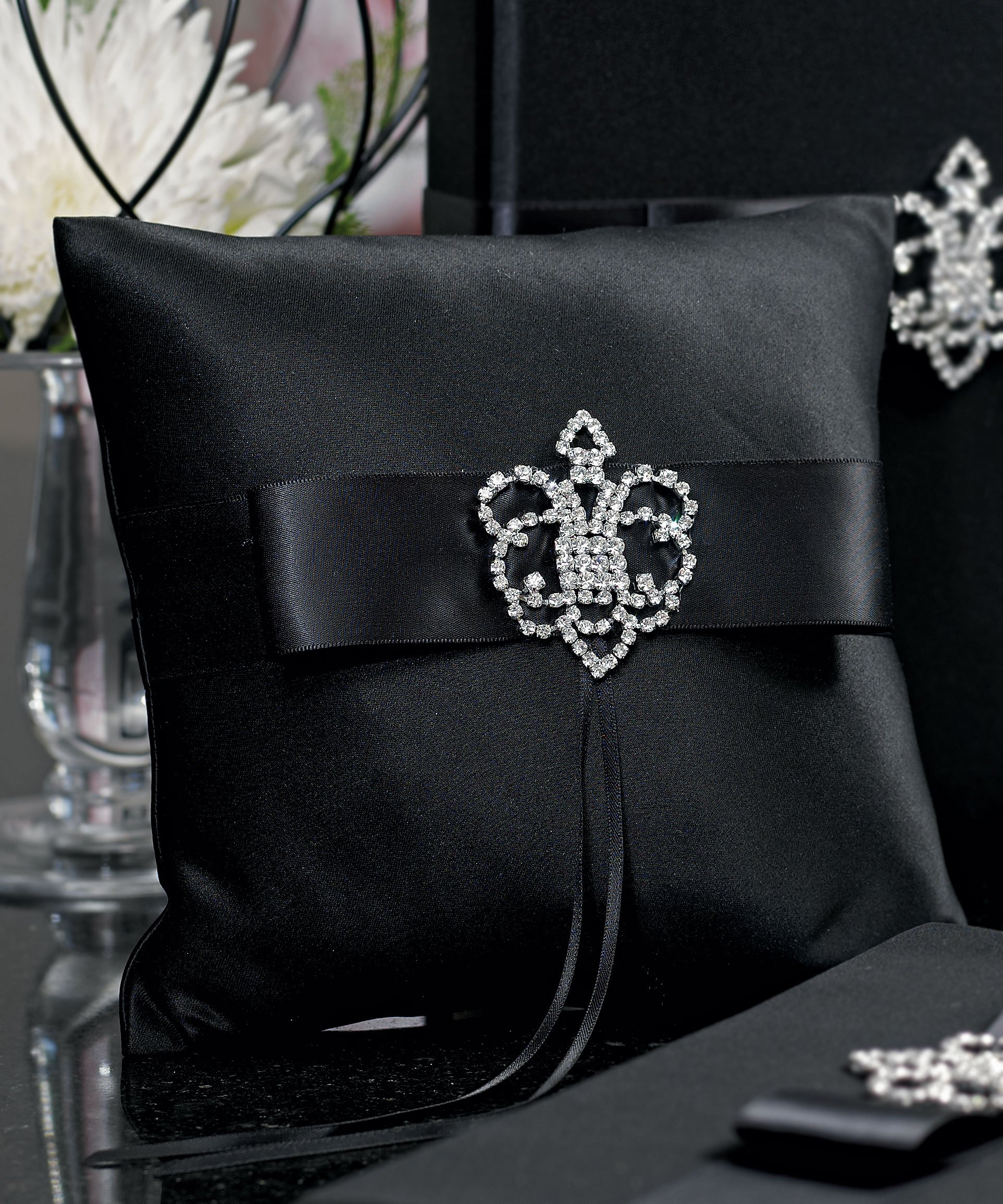 Weddingstar Beverly Clark The Crowned Jewel Collection Ring Pillow, Black