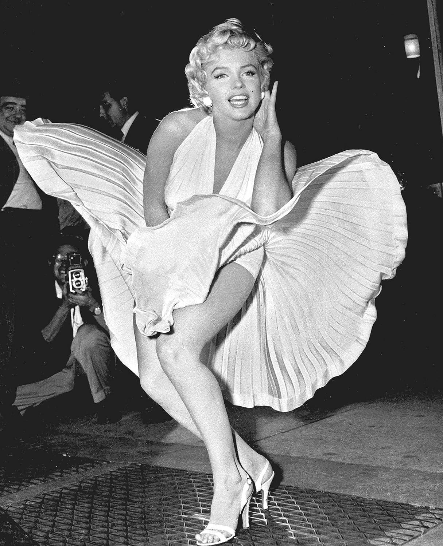 Amazon.com: Marilyn Monroe Iconic Sex Symbol Poster, Marilyn Monroe Print, Marilyn Monroe Artwork, Marilyn Monroe Gift, Marilyn Monroe Vintage Photo Art, Some Like it Hot Print: Handmade