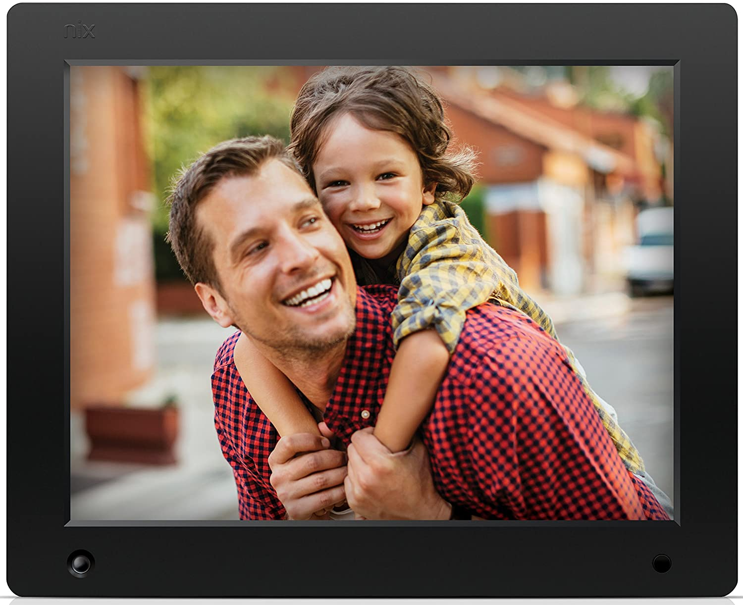 amazoncom nix 12 inch hi res digital photo frame with motion sensor 4gb memory x12c digital picture frames camera photo
