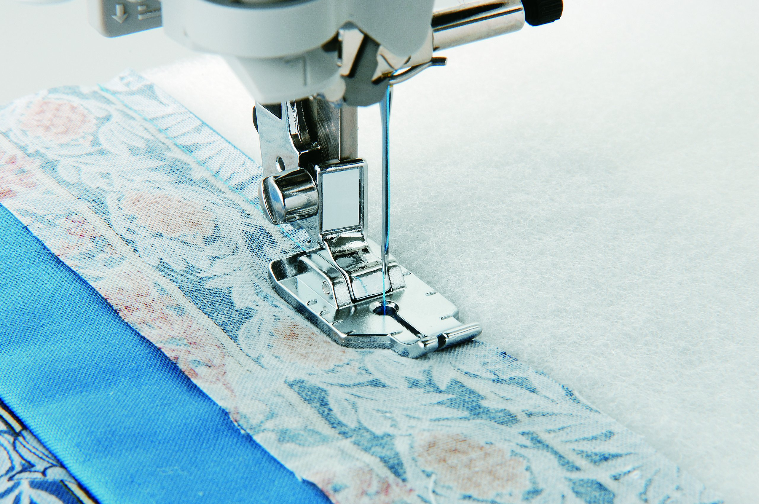 Brother ¼ Inch Piecing Foot for Quilting and Topstitching, SA125, Silver product image