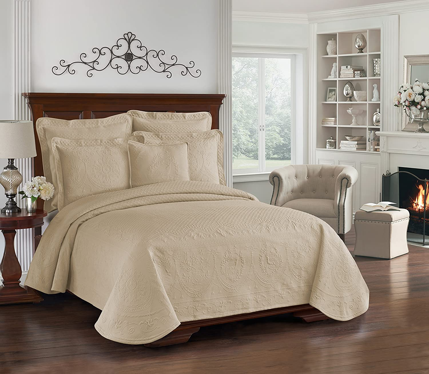 Historic Charleston Collection King Charles Queen White Matelasse Bedspread ONLY