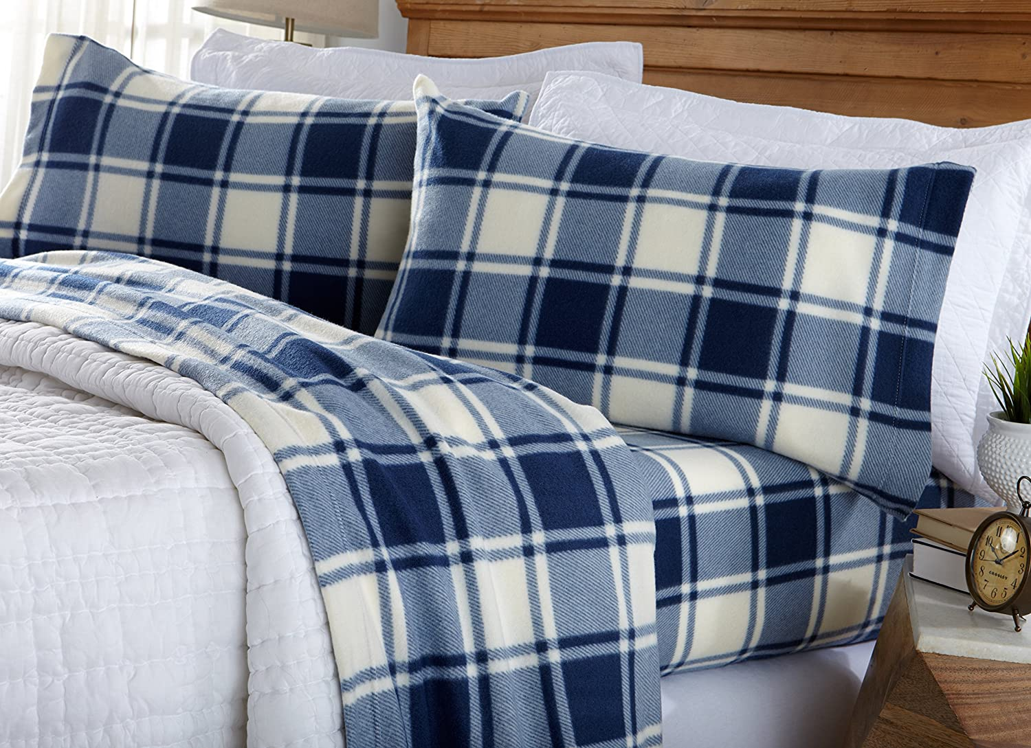 Great Bay Home Super Soft Extra Plush Plaid Fleece Sheet Set. Cozy, Warm, Durable, Smooth, Breathable Winter Sheets with Plaid Pattern. Dara Collection Brand. (Queen, Navy)