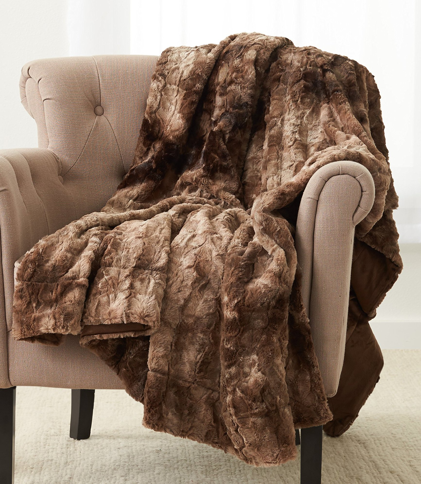 Pinzon Faux Fur Throw Blanket 63'' x 87'', Alpine Brown
