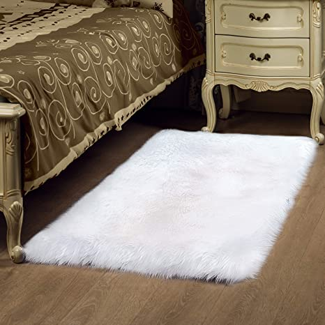 Soft Faux Sheepskin Fur Area rugs - Exclusive Cover Bedside Carpet for  rooms - Super Sofa Faux Fur Rug for Living & Bedroom mat 2.3ft x 5ft White  rugs