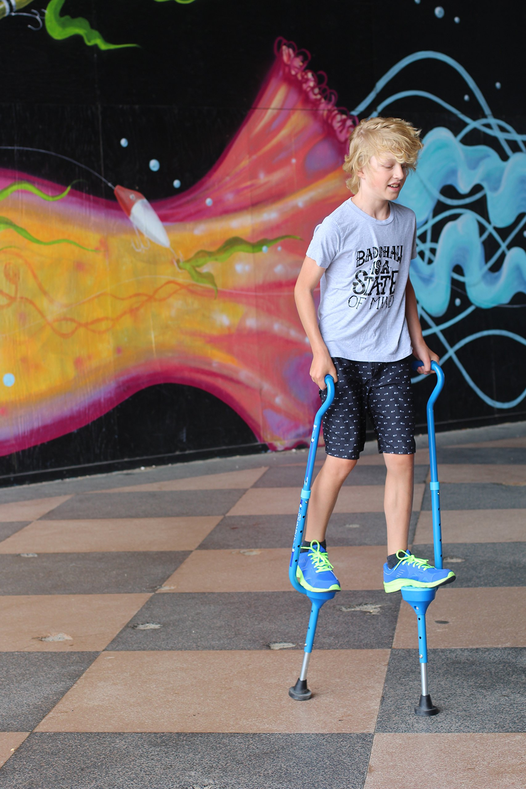 Flybar Maverick Walking Stilts for Kids Ages 5 +, Weights Up to 190 Lbs - Adjustable Foam Handles with Wide Stance Foot Pegs - Fun Outdoor Toys for Girls & Boys by Flybar (Image #6)