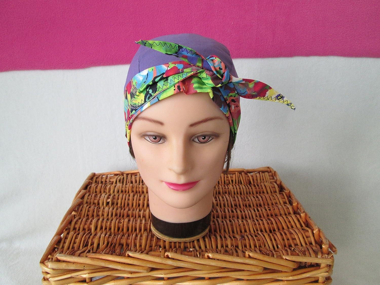Foulard, turban chimio, bandeau pirate au féminin violet avec des fleurs multicolores