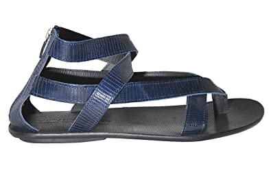 59a9ecb67d1cc Image Unavailable. Image not available for. Color  Giovanni Conti 234  Italian Navy Blue Print Leather Thong Sandals with Back Zipper
