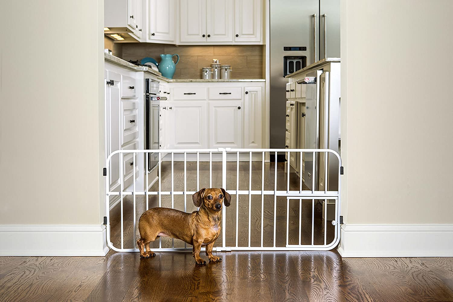 Carlson Adjustable 66 106cm Gate With Small Pet Door