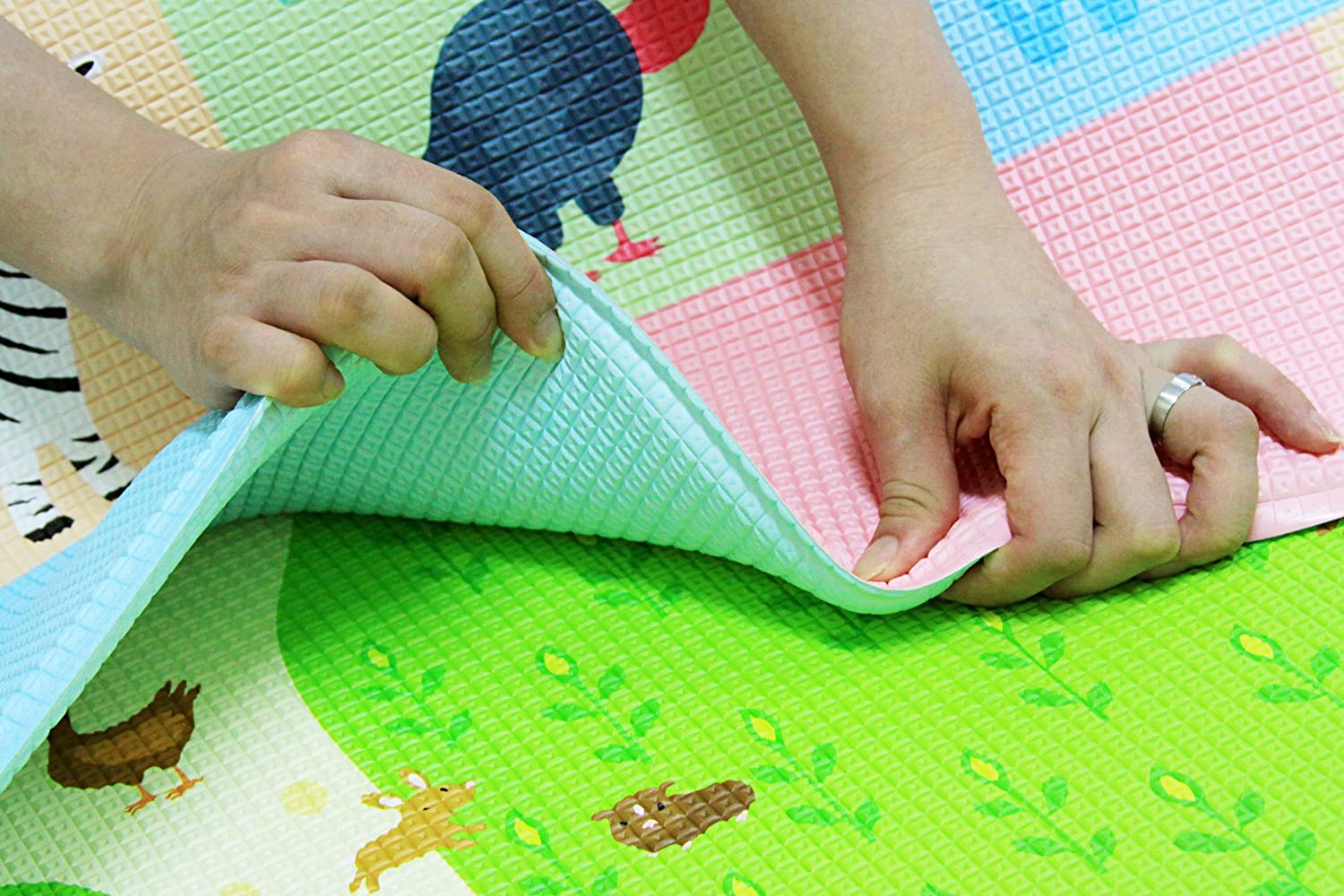 baby care play mat  busy farm (large) amazoncouk baby -